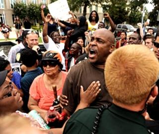 Американцы протестуют (320x270, 90Kb)