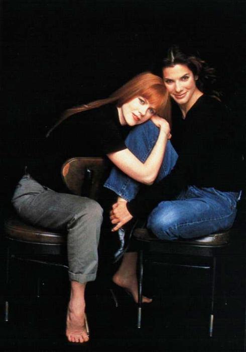 Sandra-Bullock-and-Nicole-Kidman-in-Practical-Magic-being-a-woman-15160304-570-814 (490x700, 27Kb)