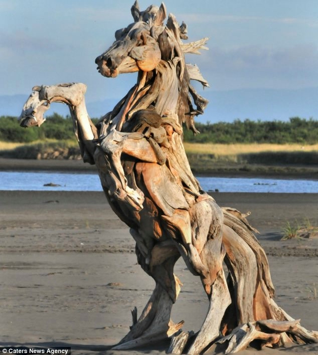 деревянные скульптуры Jeffro Uitto 2 (626x700, 273Kb)