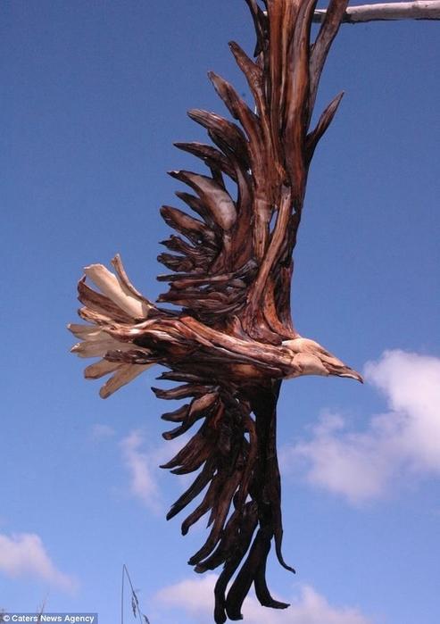 деревянные скульптуры Jeffro Uitto 6 (493x700, 198Kb)
