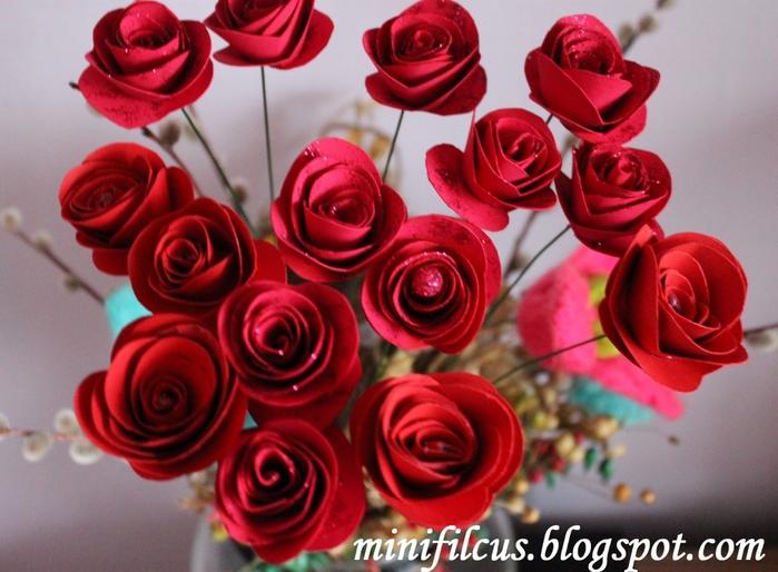 Как сделать бумажные розы. Мастер-класс (11) (700x514, 265Kb)