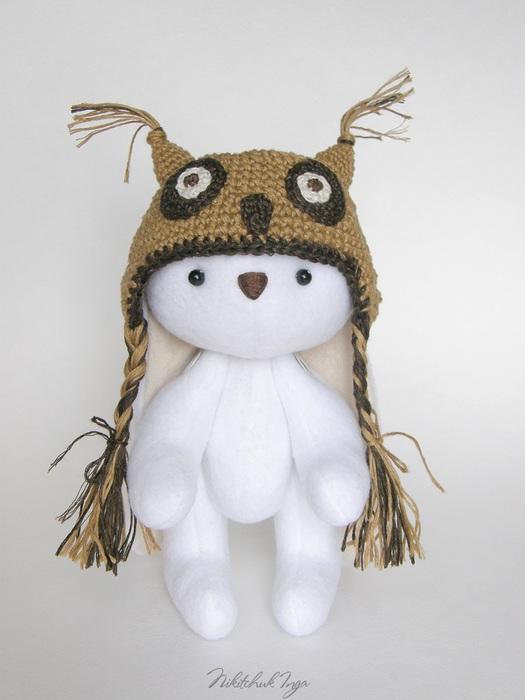white-bunny-in-cap8 (525x700, 77Kb)
