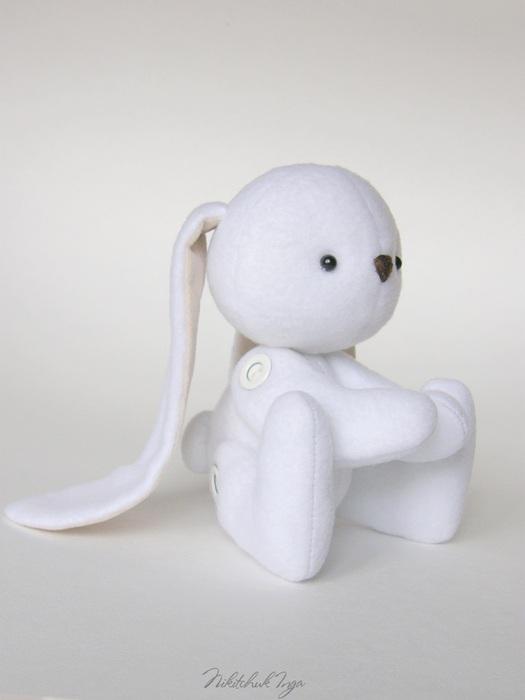 white-bunny-in-cap6 (525x700, 45Kb)