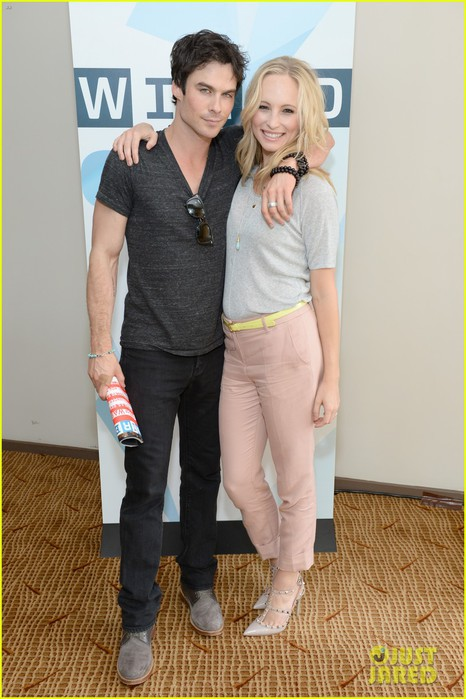 ian-somerhalder-comic-con-wired-cafe-with-candice-accola-01 (466x700, 85Kb)
