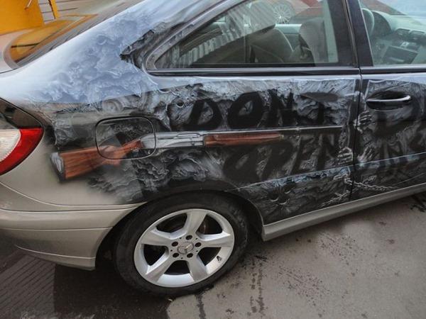 Фанат Walking Dead раскрасил автомобиль аэрографией