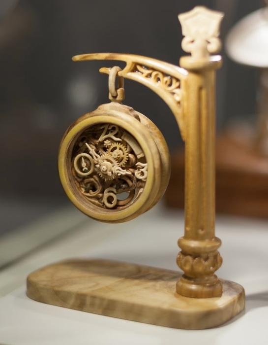 деревянные часы Валерий Даневич 1 (545x700, 153Kb)