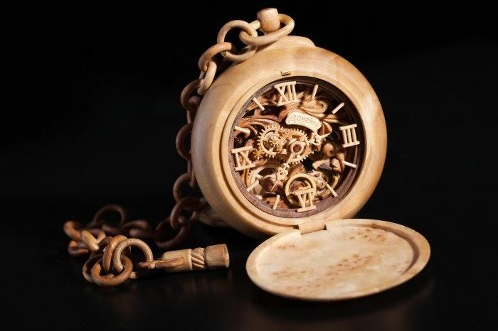 деревянные часы Валерий Даневич 9 (700x466, 87Kb)