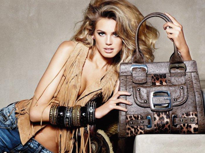 женская одежда купить/3185107_magazin_jenskoi_odejdi (700x525, 105Kb)