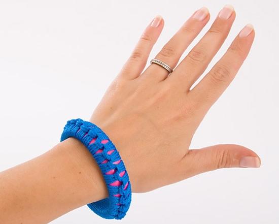 como-fazer-pulseira-de-macrame-passo-a-passo-12 (550x441, 71Kb)