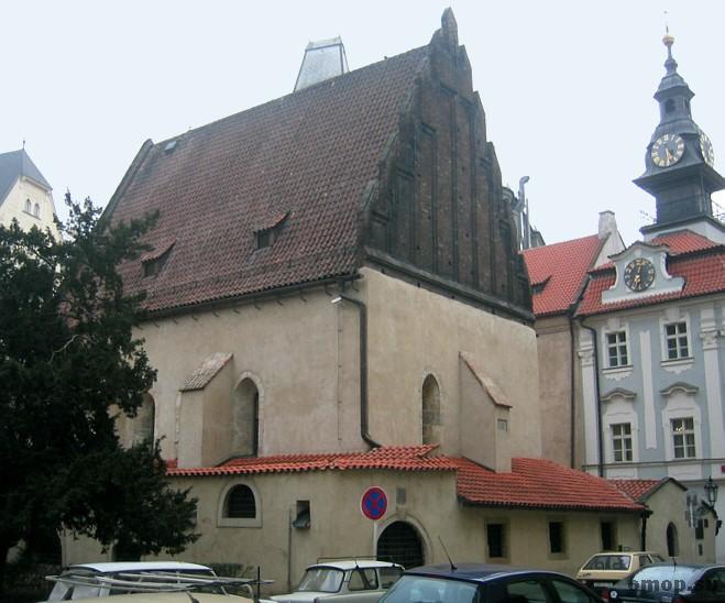 4638534_Praha_Staronova_Synagoga (659x548, 51Kb)