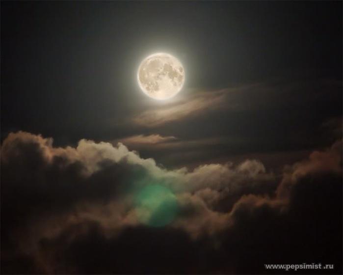 moon (700x560, 50Kb)