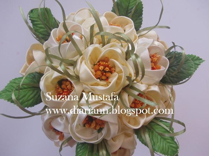 Цветы из шелковых лент от