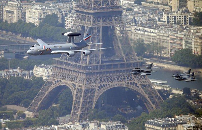 париж фото с высоты 17 (700x453, 326Kb)