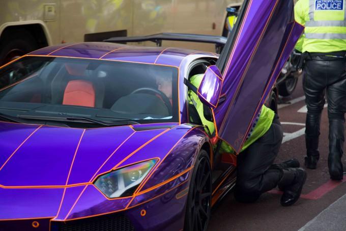 Lamborghini наследника катара арестована фото 2 (680x453, 277Kb)