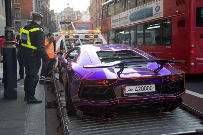 Lamborghini наследника катара арестована фото 6 (680x453, 294Kb)