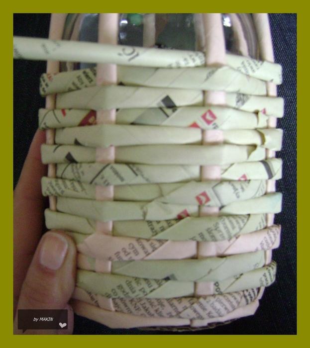 引用 旧杂志再利用------精美器物的手工编结