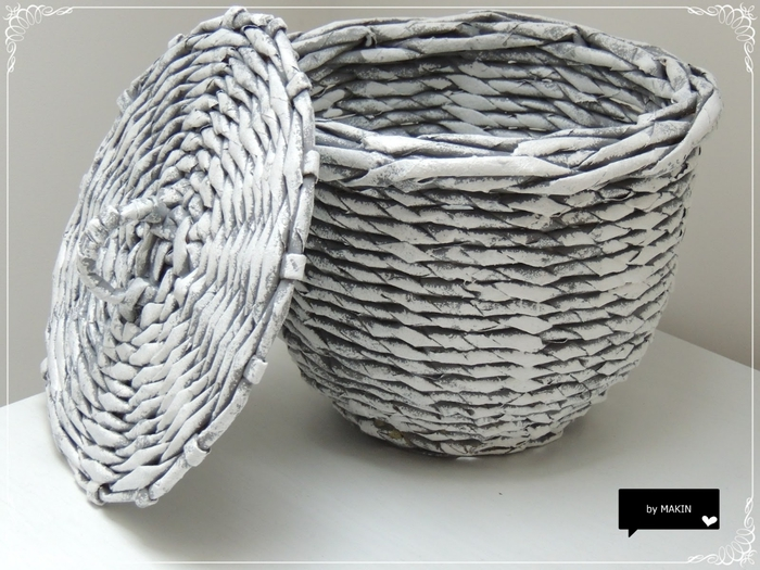 Плетение из газет. Стильные работы от Makin (58) (700x525, 272Kb)