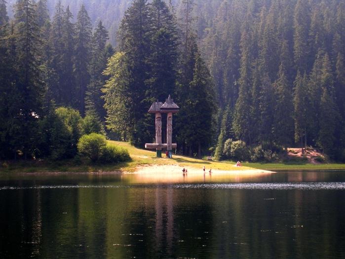 1-Синевир - самое красивое озеро Карпат (800x625, 307Kb)