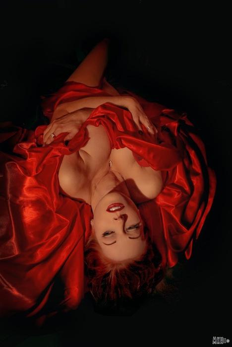 Эротика красное и черное смотреть онлайн в hd 720 качестве  фотоография
