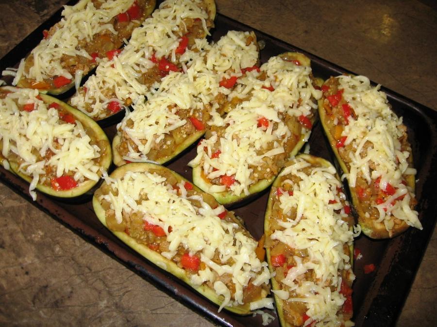 Баклажановые лодочки с фаршем в духовке рецепт с пошаговый