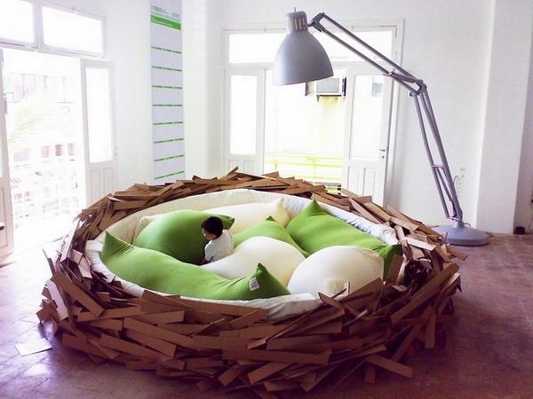 дизайнерская мебель кровать-гнездо 2 (600x450, 161Kb)