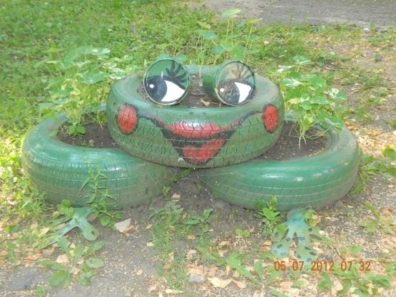 Лягушка из шины картинки