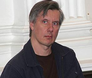 Д.Устинов - ожидает неправомерной экстрадиции в США (295x249, 22Kb)