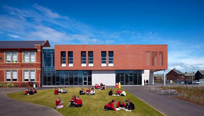 современная школа фото (700x400, 352Kb)