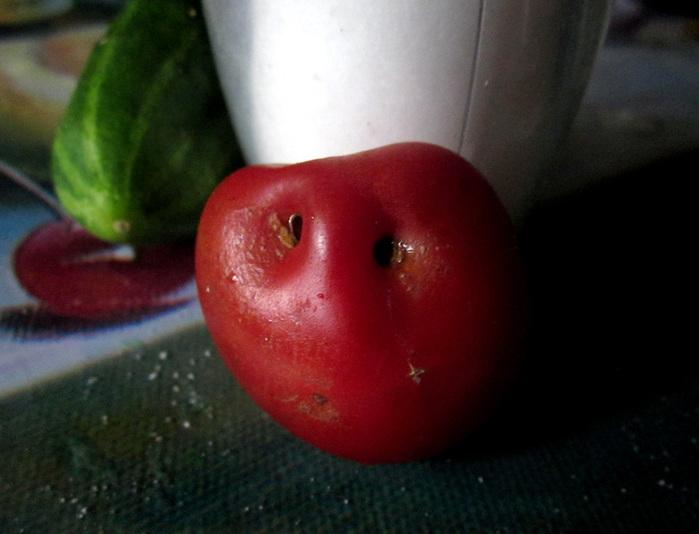 683232_smile_pomidorka (700x534, 100Kb)