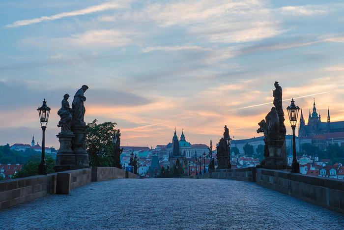0_b7ec2_2a08ea1d_XL (700x468, 409Kb)Европа, Чехия, Прага!