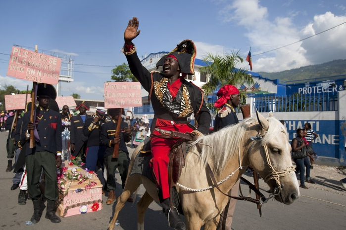 карнавал цветов на гаити фото 3 (700x466, 256Kb)