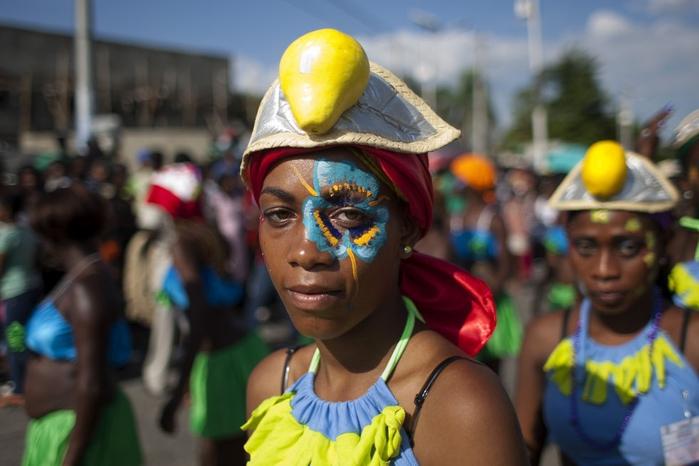 карнавал цветов на гаити фото 9 (700x466, 198Kb)