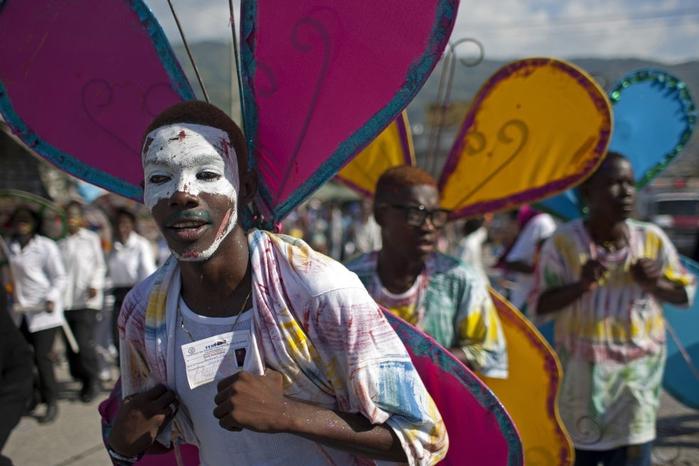 карнавал цветов на гаити фото 11 (700x466, 226Kb)