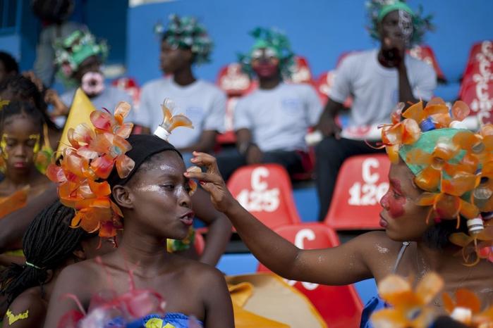 карнавал цветов на гаити фото 13 (700x466, 218Kb)