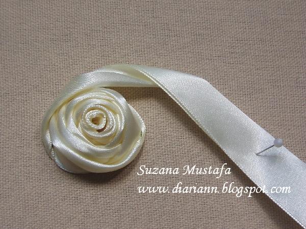 объемная вышивка лентами. розы (7) (600x450, 280Kb)
