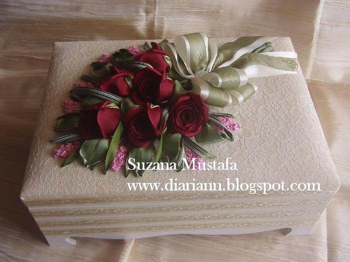 розы. объемная вышивка лентами (6) (700x525, 291Kb)