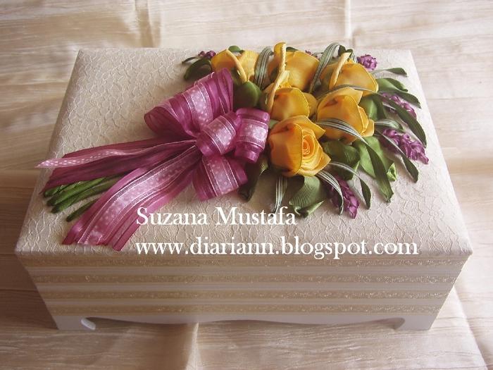 розы. объемная вышивка лентами (8) (700x525, 290Kb)