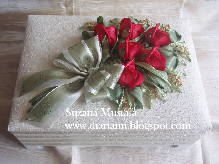 розы. объемная вышивка лентами (10) (700x525, 288Kb)