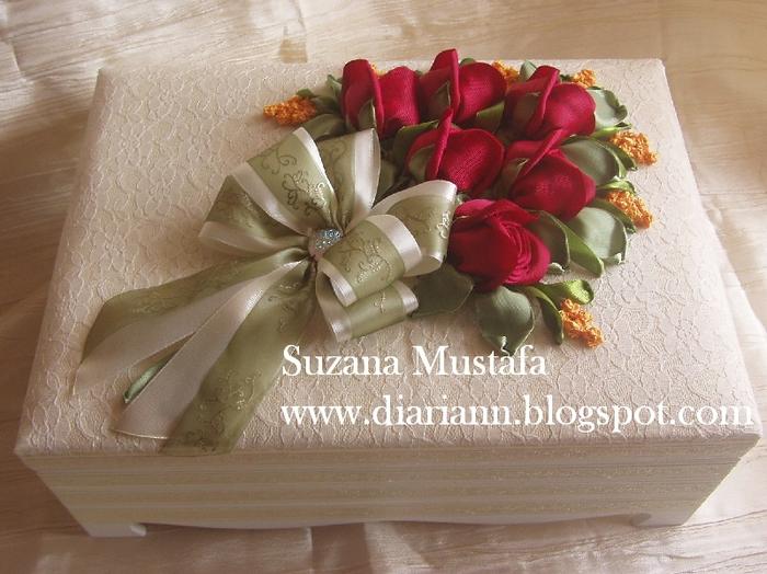 розы. объемная вышивка лентами (14) (700x524, 292Kb)