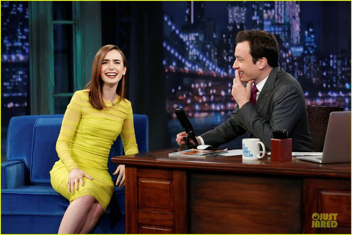 lily-collins-city-of-bones-chat-on-fallon-04 (700x468, 80Kb)