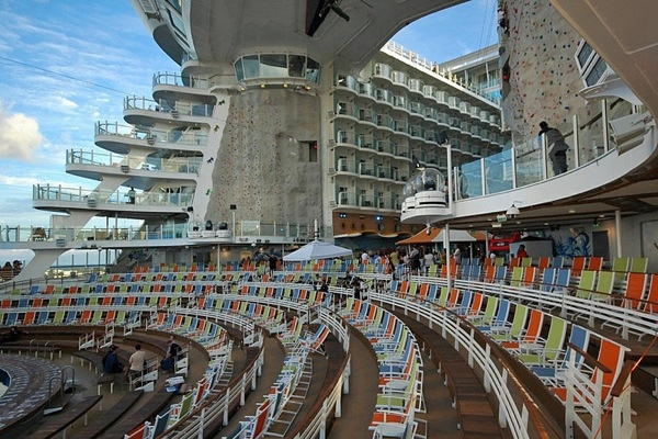 oasis_of_the_seas_30 (600x400, 234Kb)