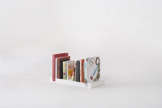 Minimal Bookshelf 03