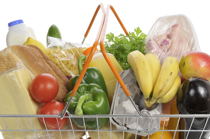 Groceries_In_A_Basket (700x465, 312Kb)