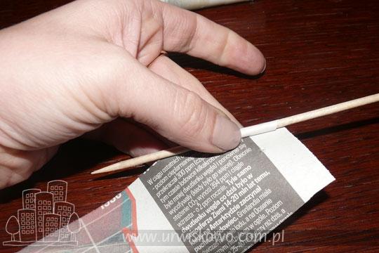 как крутить трубочки из газет и плести спиральным плетением (5) (540x360, 128Kb)
