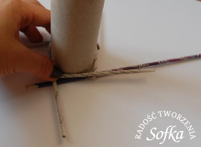 как крутить трубочки из газет и плести спиральным плетением (19) (700x510, 158Kb)