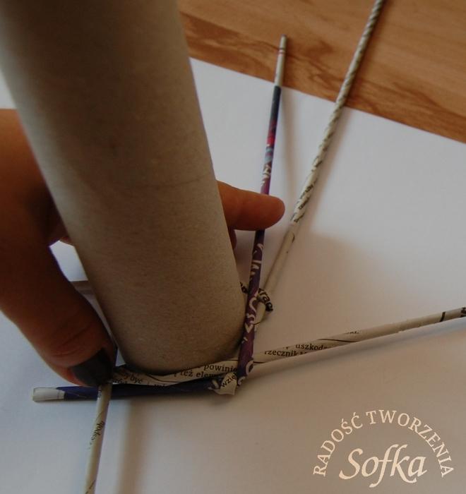как крутить трубочки из газет и плести спиральным плетением (21) (660x700, 240Kb)