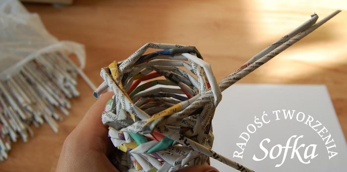 как крутить трубочки из газет и плести спиральным плетением (25) (700x348, 157Kb)