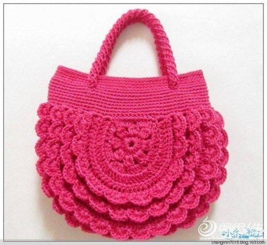 Замечательная сумочка крючком