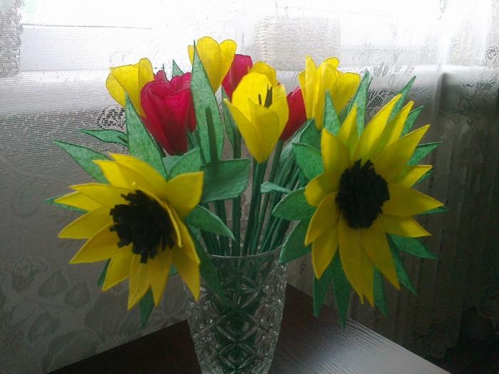Цветы из гофрированной бумаги. Несколько мастер-классов (5) (700x525, 275Kb)