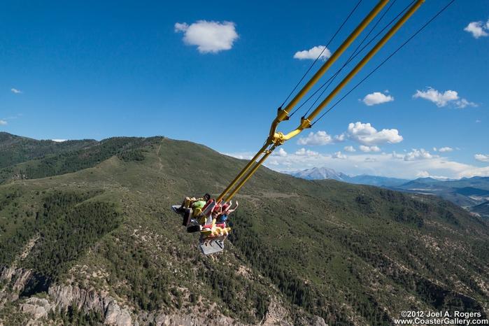 качели над пропастью Giant Canyon Swing 3 (700x466, 275Kb)